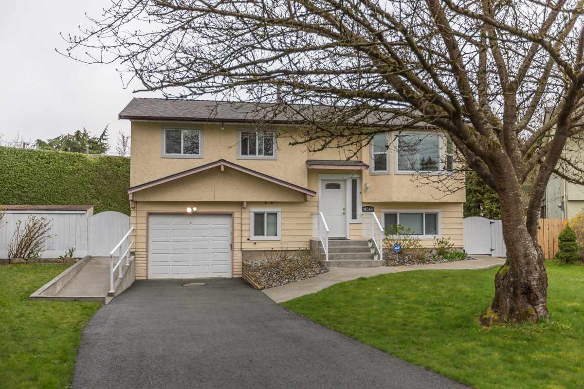 """Main Photo: 18364 63A Avenue in Surrey: Cloverdale BC House for sale in """"Don Christian Elem Area"""" (Cloverdale)  : MLS®# R2151811"""