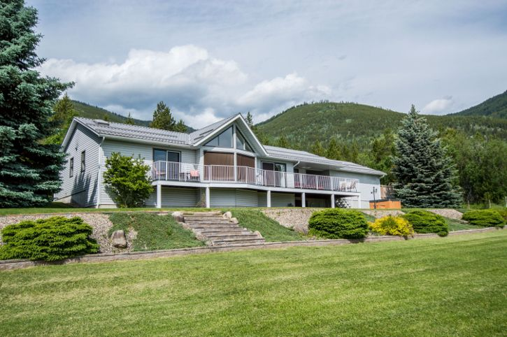 Main Photo: 3401 Northwest 60 Street in Salmon Arm: Gleneden House for sale (NW Salmon Arm)  : MLS®# 10135947