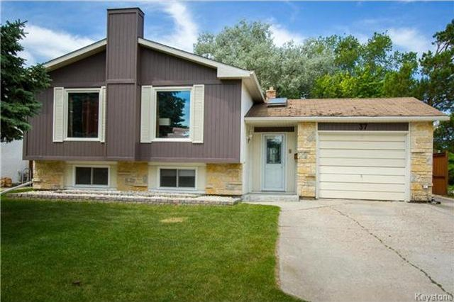 Main Photo: 37 Willowmeade Crescent in Winnipeg: Meadowood Residential for sale (2E)  : MLS®# 1715361