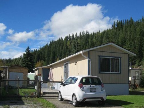 """Main Photo: 141 5130 NORTH NECHAKO Road in Prince George: Nechako Bench Manufactured Home for sale in """"CALEDONIA MOBILE HOME PARK"""" (PG City North (Zone 73))  : MLS®# R2184087"""