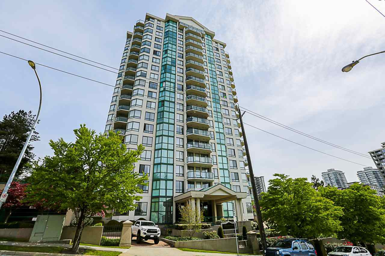 "Main Photo: 402 121 TENTH Street in New Westminster: Uptown NW Condo for sale in ""VISTA ROYALE"" : MLS®# R2279010"