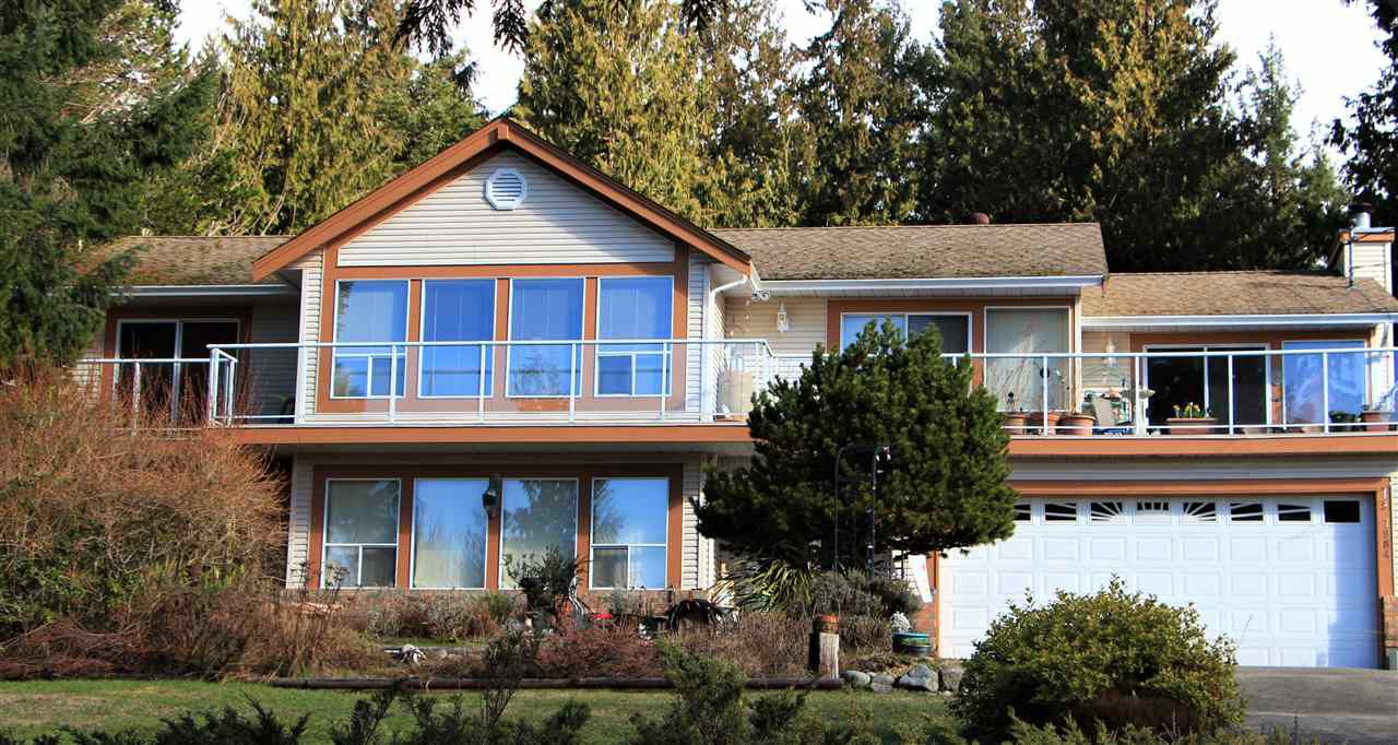 Main Photo: 7984 REDROOFFS Road in Halfmoon Bay: Halfmn Bay Secret Cv Redroofs House for sale (Sunshine Coast)  : MLS®# R2283729