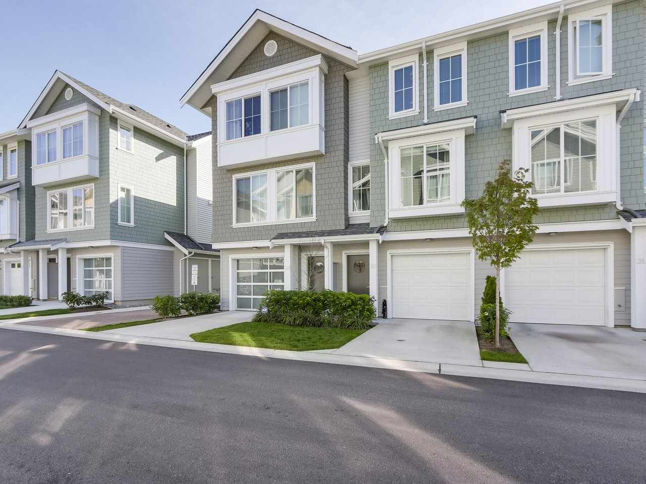 """Main Photo: 30 5550 ADMIRAL Way in Delta: Neilsen Grove Townhouse for sale in """"FAIRWINDS"""" (Ladner)  : MLS®# R2340412"""
