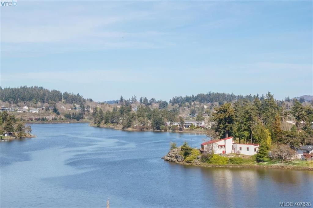 Main Photo: 251 Woodbine Crescent in VICTORIA: VR Glentana Single Family Detached for sale (View Royal)  : MLS®# 407828