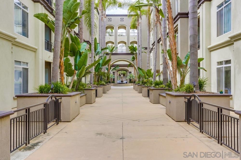Main Photo: LA JOLLA Condo for rent : 1 bedrooms : 9263 Regents Blvd #B207