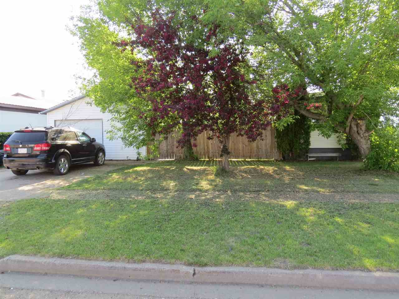 Main Photo: 4914 59 Street: Killam House for sale : MLS®# E4160527