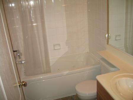 Photo 8: Photos: 75 Courland Bay: Residential for sale (Amber Trails)  : MLS®# 2808120