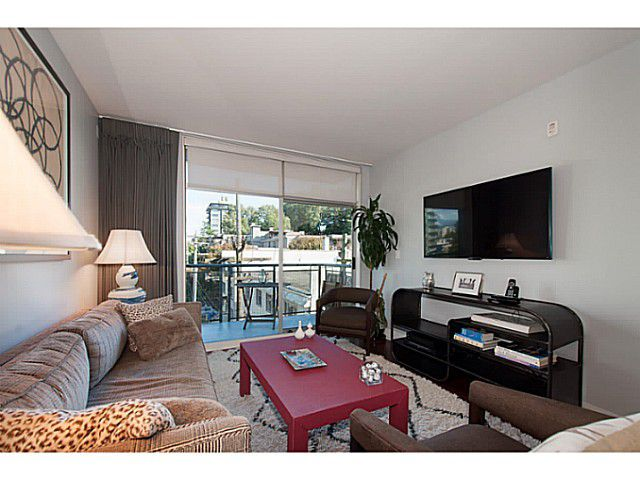 """Main Photo: PH6 1477 W 15TH Avenue in Vancouver: Fairview VW Condo for sale in """"Shaughnessy Mansion"""" (Vancouver West)  : MLS®# V1087897"""