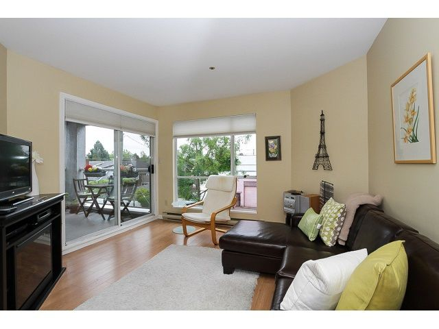 "Main Photo: 303 3505 W BROADWAY in Vancouver: Kitsilano Condo for sale in ""COLLINGWOOD PLACE"" (Vancouver West)  : MLS®# R2086967"