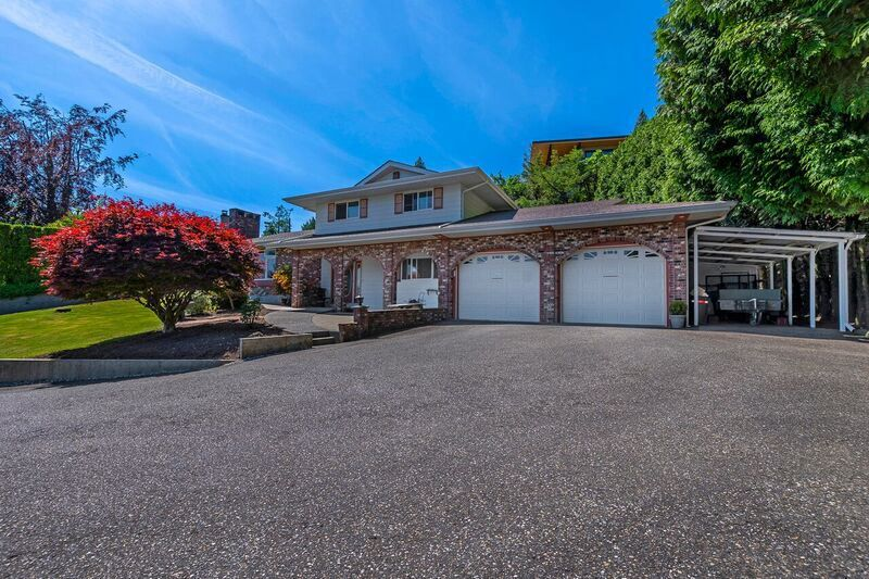 "Main Photo: 10045 KENSWOOD Drive in Chilliwack: Little Mountain House for sale in ""Little Mountain"" : MLS®# R2192439"