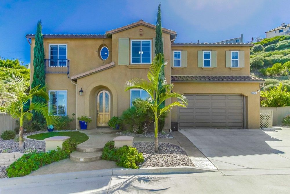 Main Photo: LA MESA House for sale : 5 bedrooms : 7797 HIGHWOOD AVE