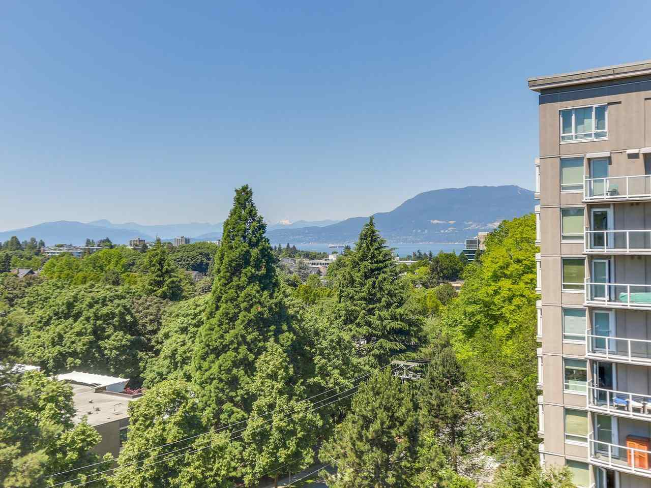 "Main Photo: 901 1685 W 14TH Avenue in Vancouver: Fairview VW Condo for sale in ""Town Villa"" (Vancouver West)  : MLS®# R2281962"