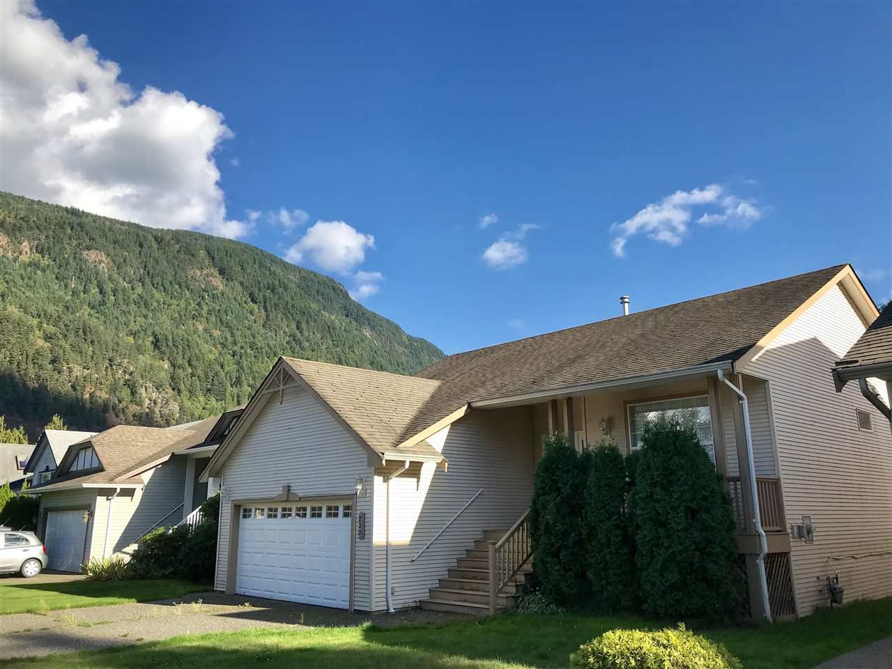 "Main Photo: 230 MIAMI RIVER Drive: Harrison Hot Springs House for sale in ""Harrison Hot Springs"" : MLS®# R2308156"