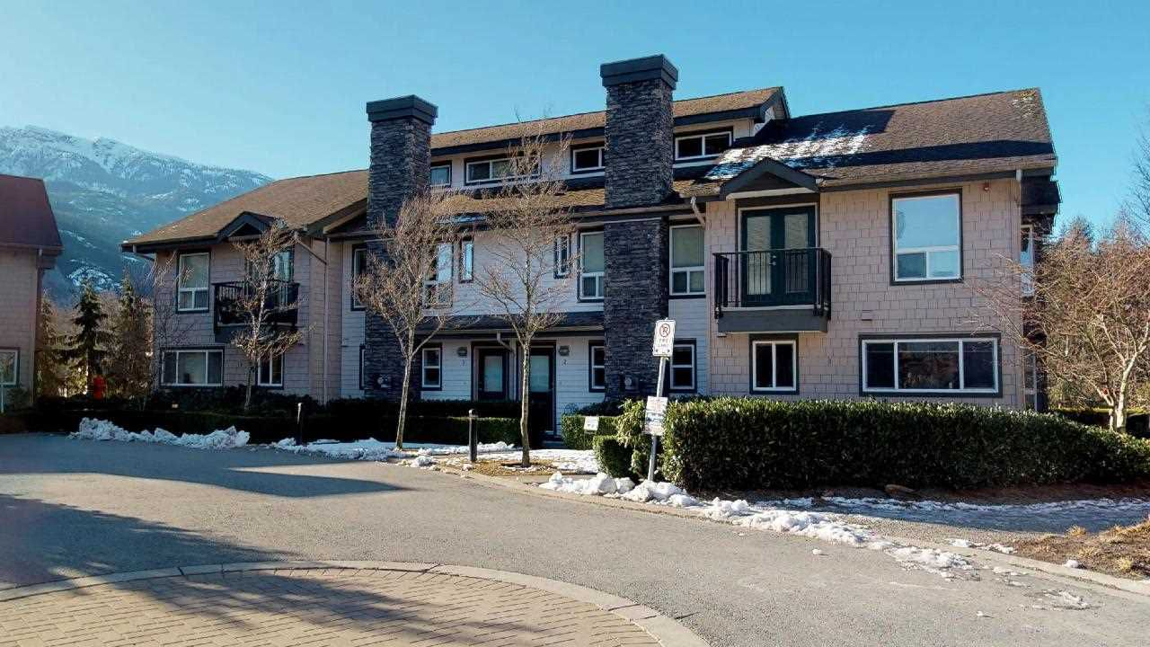 """Main Photo: 2 1204 MAIN Street in Squamish: Downtown SQ Townhouse for sale in """"Aqua"""" : MLS®# R2343310"""