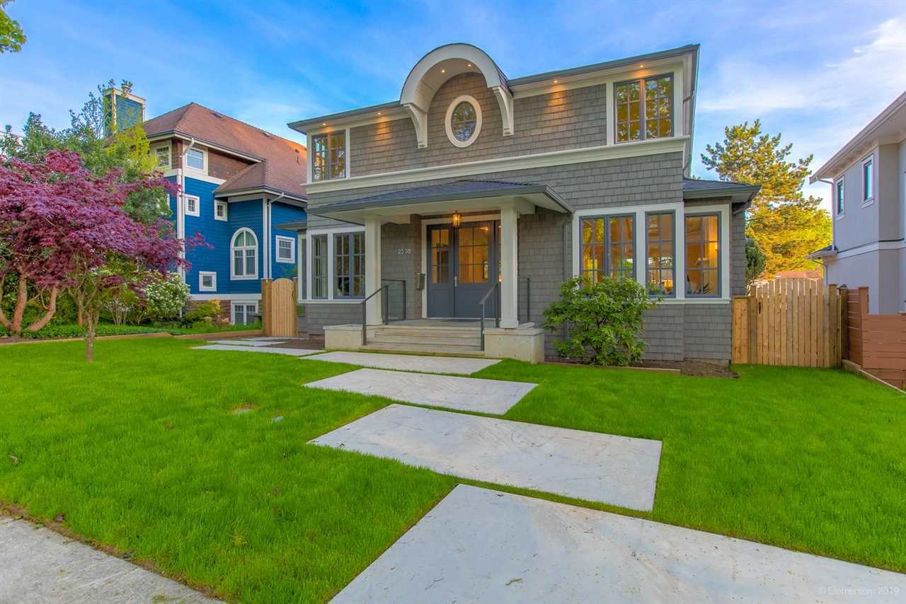 "Main Photo: 2538 W 13TH Avenue in Vancouver: Kitsilano House for sale in ""Kitsilano"" (Vancouver West)  : MLS®# R2365137"