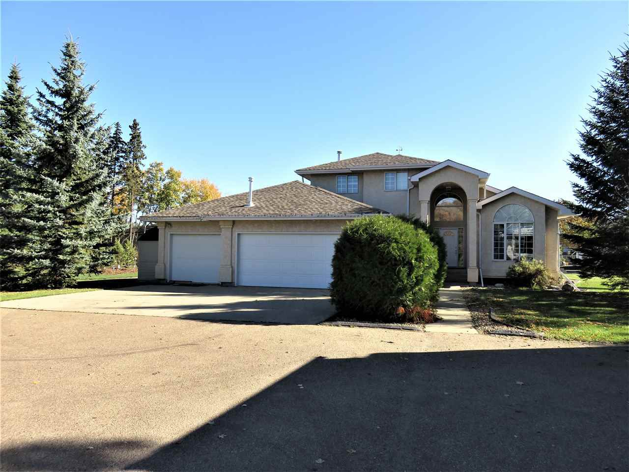 Closeup front view of this 2Acres City home in Rutherford! :)