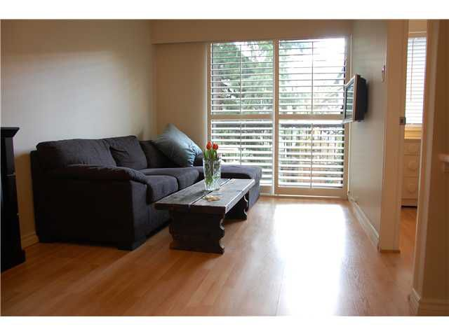 "Main Photo: 208 2330 MAPLE Street in Vancouver: Kitsilano Condo for sale in ""MAPLE GARDENS"" (Vancouver West)  : MLS®# V877141"