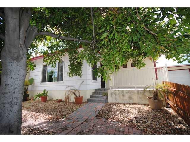 Main Photo: LA MESA House for sale : 3 bedrooms : 7875 Grape