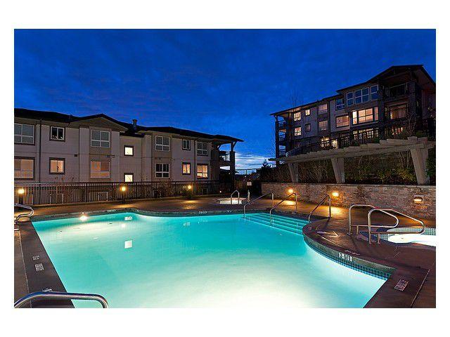 "Main Photo: 312 3050 DAYANEE SPRINGS Boulevard in Coquitlam: Westwood Plateau Condo for sale in ""DAYANEE SPRINGS"" : MLS®# V923201"