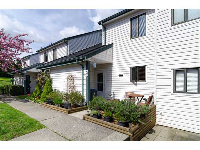 """Main Photo: 38 6629 138TH Street in Surrey: East Newton Townhouse for sale in """"Hyland Creek"""" : MLS®# F1410025"""