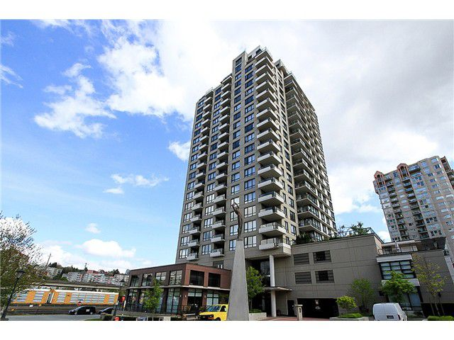 """Main Photo: 1001 1 RENAISSANCE Square in New Westminster: Quay Condo for sale in """"THE Q AT THE NEW WESTMINSTER QUAY"""" : MLS®# V1061175"""