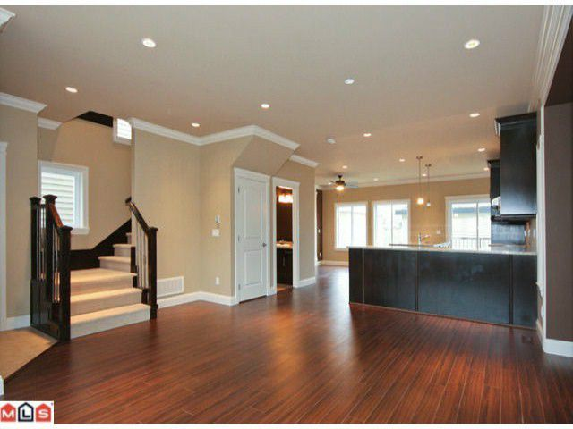 Main Photo: 5891 148TH ST in : Sullivan Station House for sale : MLS®# F1324175