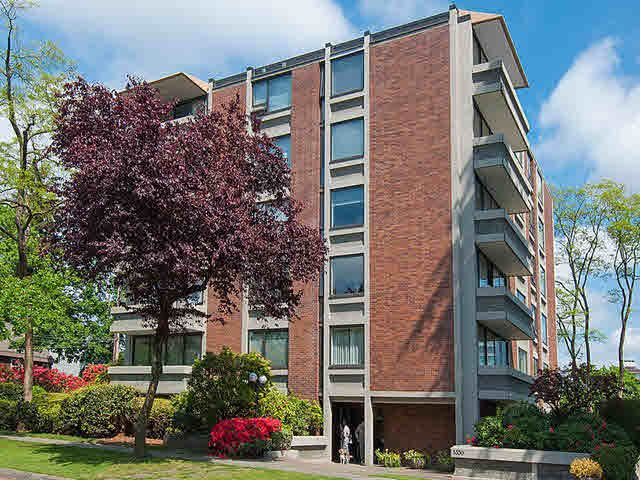 """Main Photo: 301 5350 BALSAM Street in Vancouver: Kerrisdale Condo for sale in """"BALSAM HOUSE"""" (Vancouver West)  : MLS®# V1122706"""