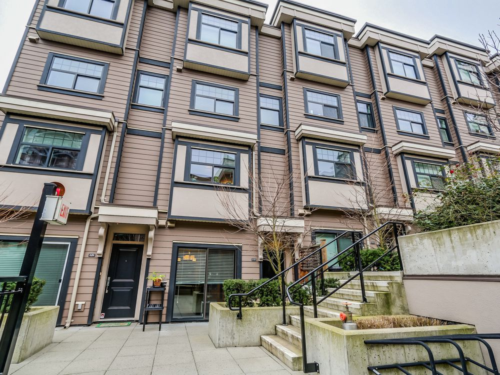 Main Photo: 110 828 ROYAL AVENUE in New Westminster: Home for sale : MLS®# R2024043