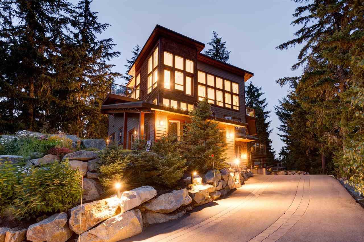 "Main Photo: 9229 AUTUMN Drive in Whistler: Emerald Estates House for sale in ""Emerald Estates"" : MLS®# R2143602"