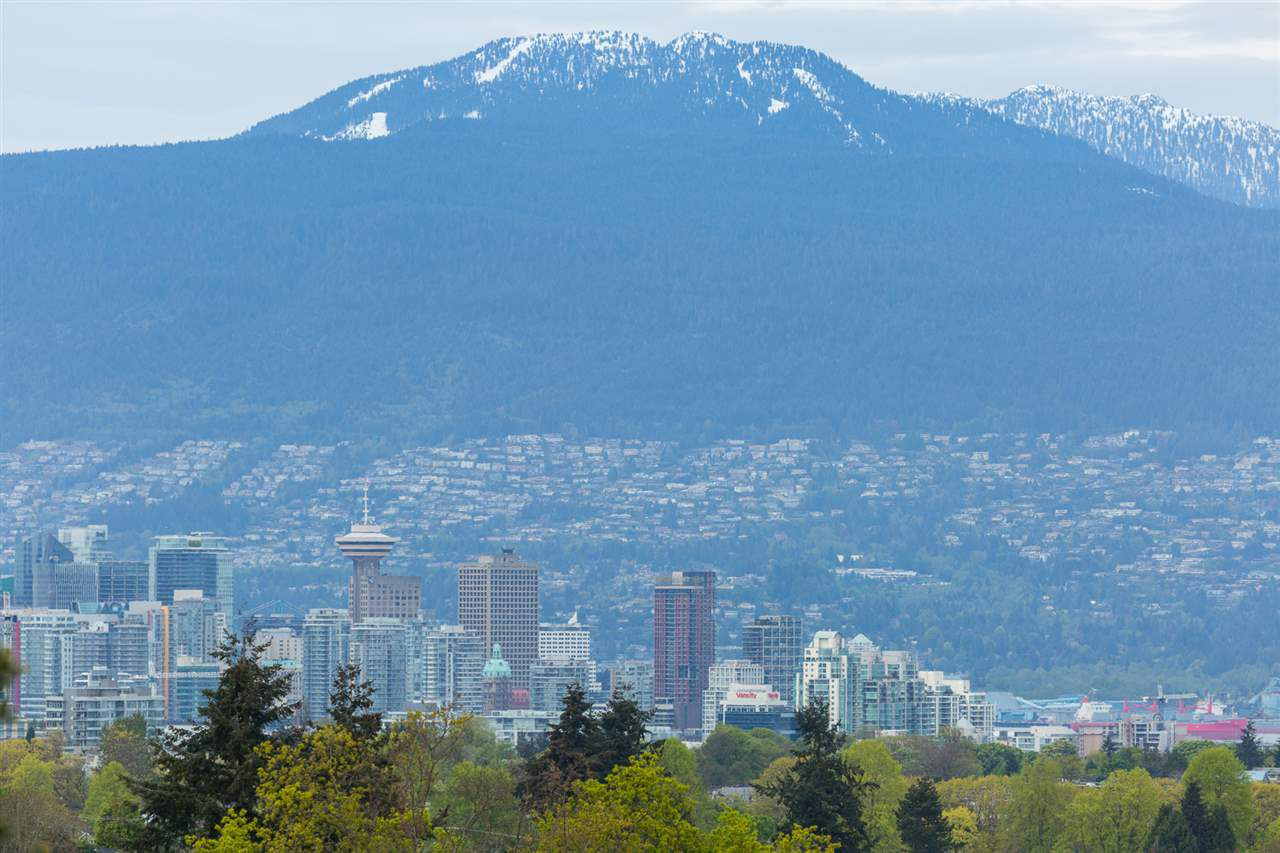 """Main Photo: 1347 E 37TH Avenue in Vancouver: Knight House for sale in """"KNIGHT"""" (Vancouver East)  : MLS®# R2166449"""
