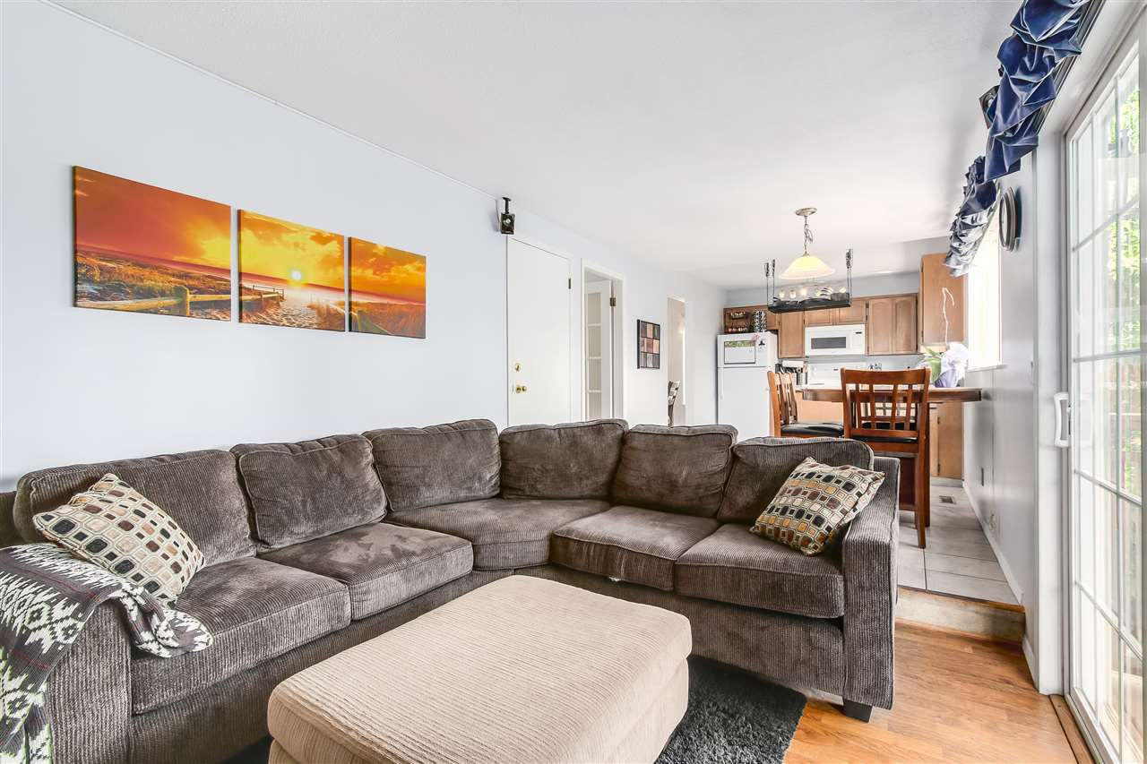 Photo 9: Photos: 115 WARRICK Street in Coquitlam: Cape Horn House for sale : MLS®# R2194175
