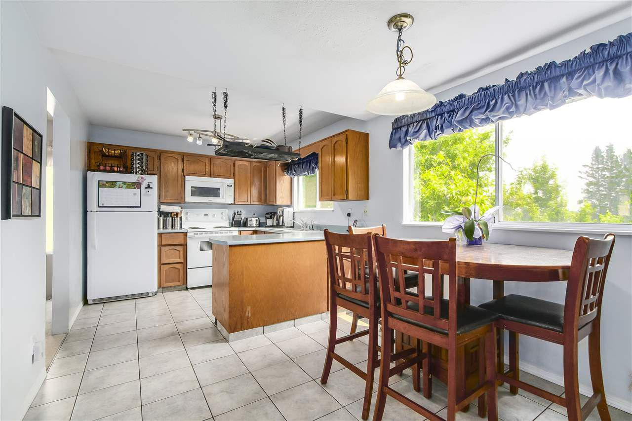 Photo 6: Photos: 115 WARRICK Street in Coquitlam: Cape Horn House for sale : MLS®# R2194175