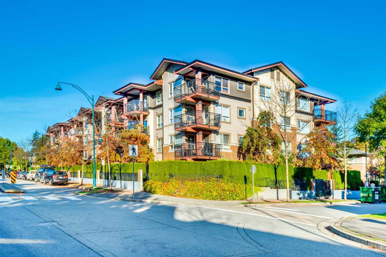 "Main Photo: 209 200 KLAHANIE Drive in Port Moody: Port Moody Centre Condo for sale in ""SALAL"" : MLS®# R2218036"