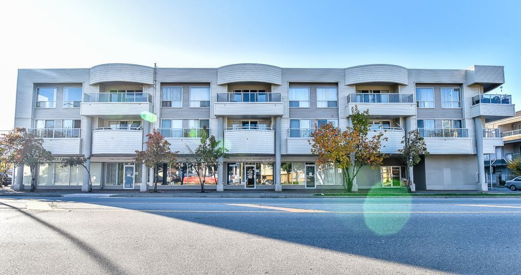 "Main Photo: 304 13771 72A Avenue in Surrey: East Newton Condo for sale in ""Newton Plaza"" : MLS®# R2218188"
