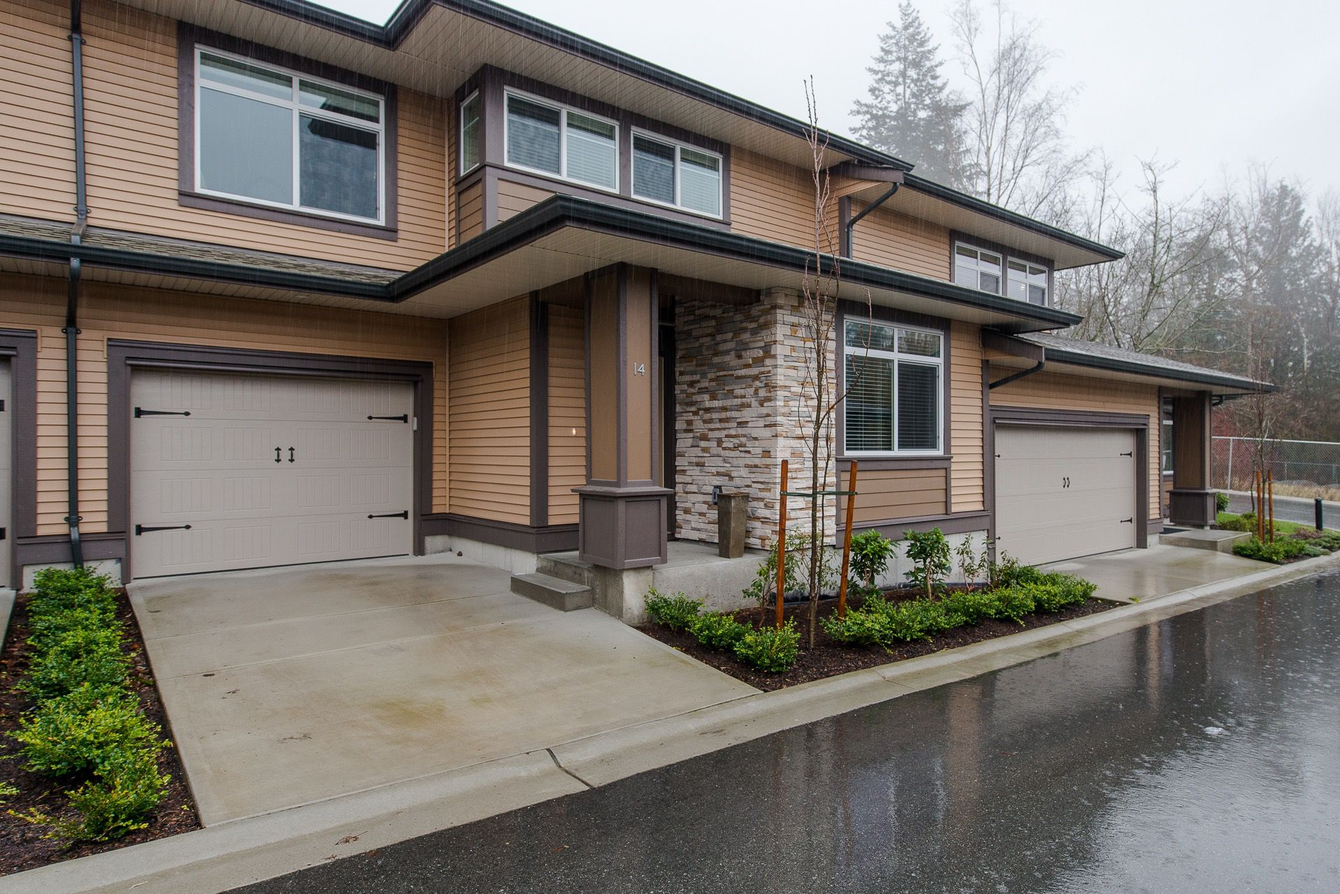 "Main Photo: 14 35846 MCKEE Road in Abbotsford: Abbotsford East Townhouse for sale in ""Sandstone Ridge"" : MLS®# R2235941"