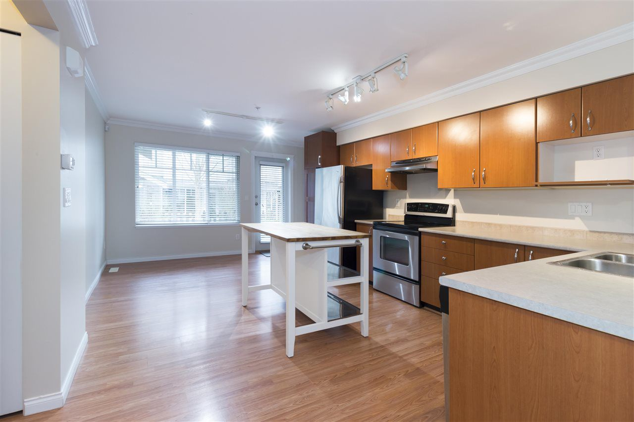 """Main Photo: 91 12040 68 Avenue in Surrey: West Newton Townhouse for sale in """"Terrance"""" : MLS®# R2341352"""