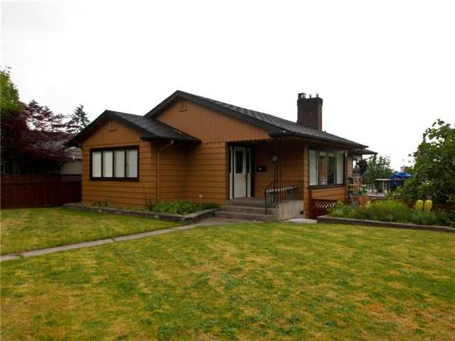 Main Photo: 265 W 27th St in North Vancouver: Upper Lonsdale House for sale : MLS®# V837682