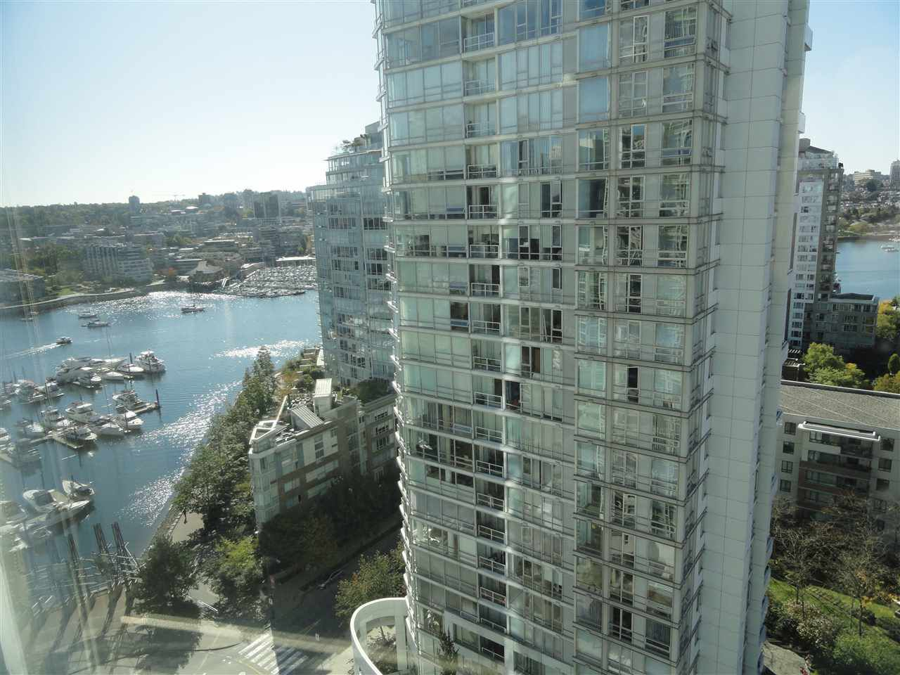 "Main Photo: 2206 1199 MARINASIDE Crescent in Vancouver: Yaletown Condo for sale in ""AQUARIUS ONE"" (Vancouver West)  : MLS®# R2116053"