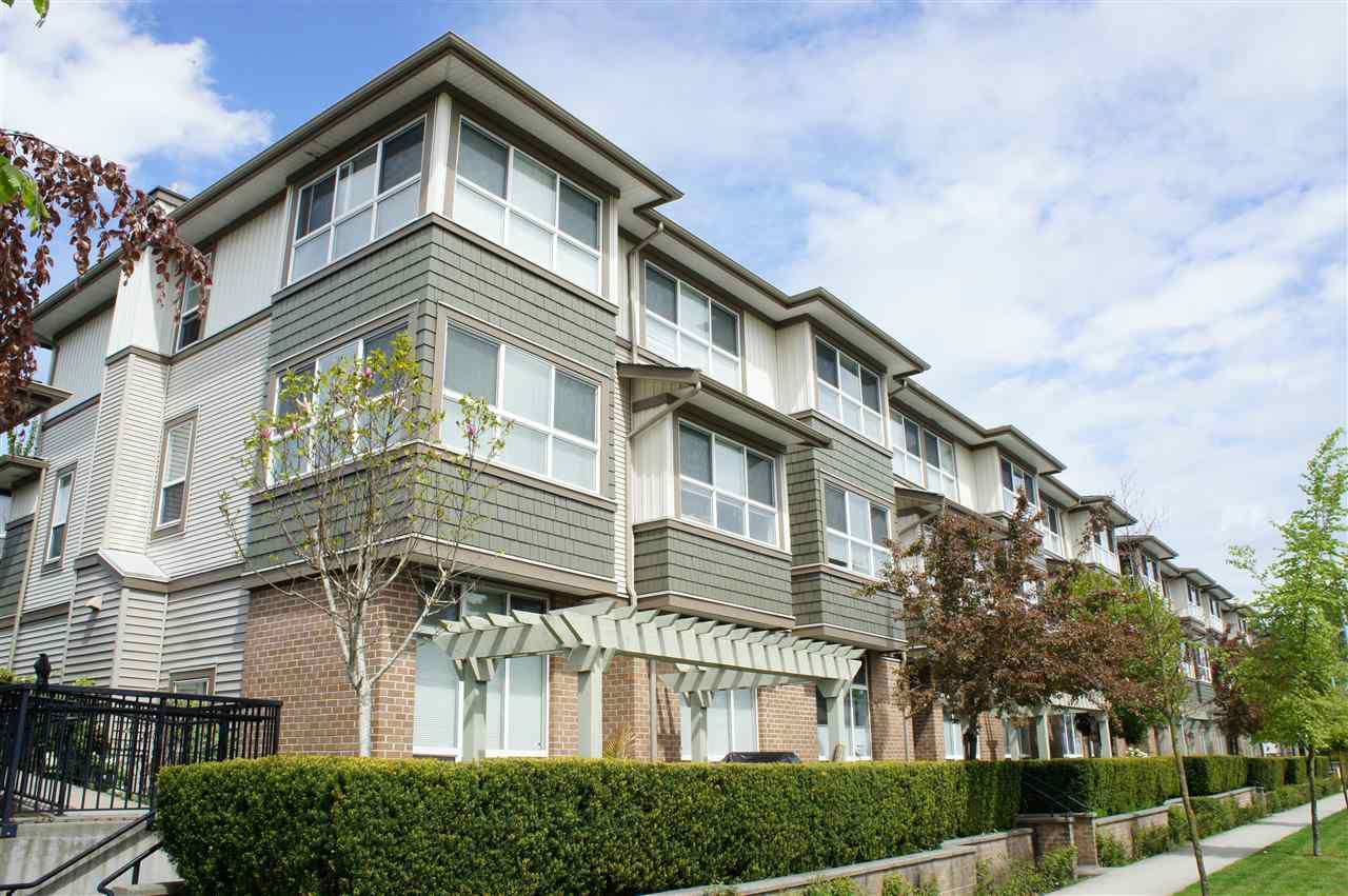 Main Photo: 85 15353 100 Avenue in Surrey: Guildford Townhouse for sale (North Surrey)  : MLS®# R2164312