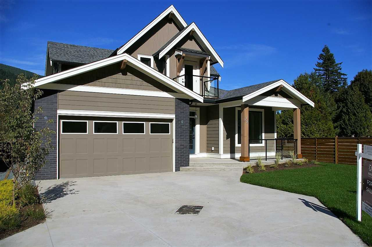 """Main Photo: 38 1885 COLUMBIA VALLEY Road: Lindell Beach House for sale in """"AQUADEL CROSSING"""" (Cultus Lake)  : MLS®# R2212613"""