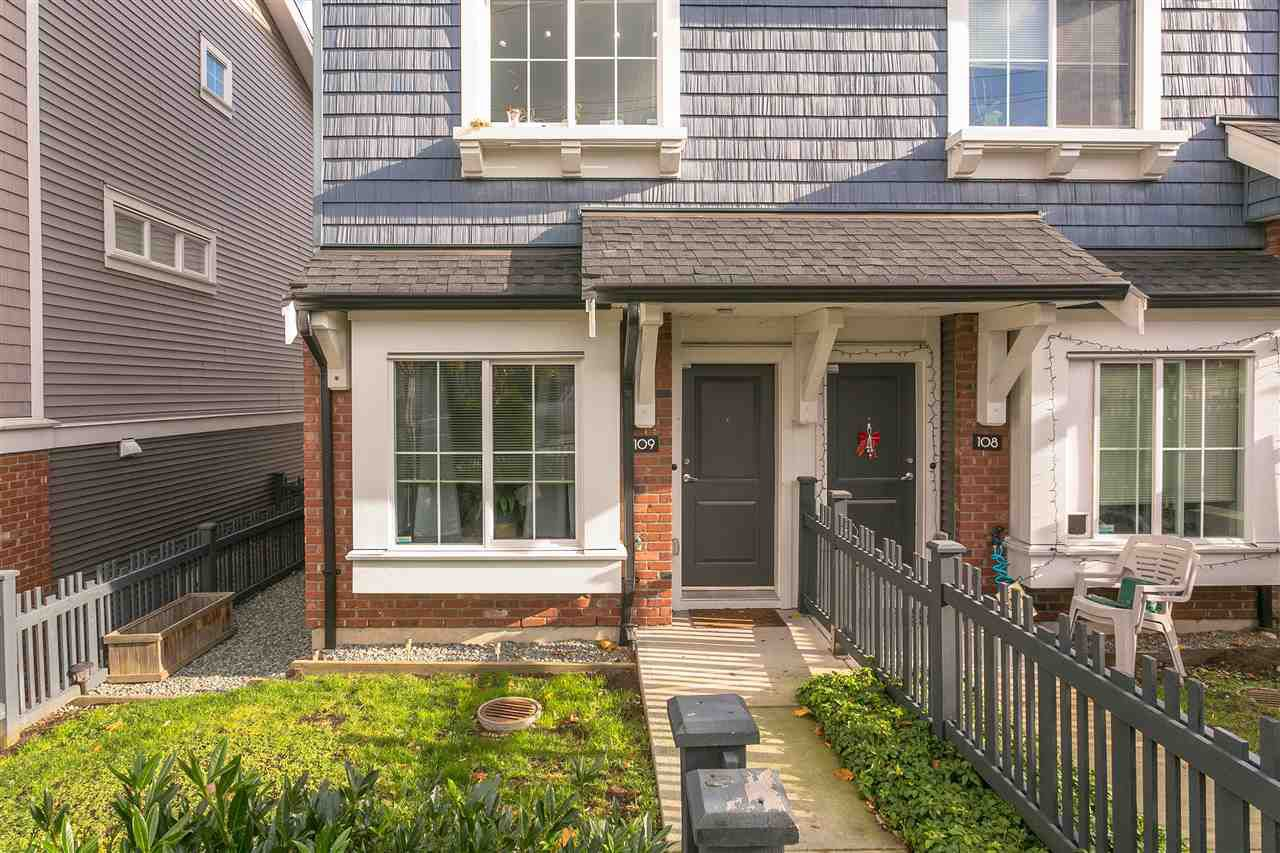 "Main Photo: 109 14833 61 Avenue in Surrey: Sullivan Station Townhouse for sale in ""ASHBURY HILL"" : MLS®# R2224306"
