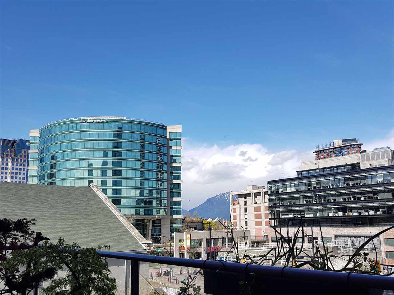 """Main Photo: 505 602 CITADEL Parade in Vancouver: Downtown VW Condo for sale in """"Spectrum IV"""" (Vancouver West)  : MLS®# R2252598"""