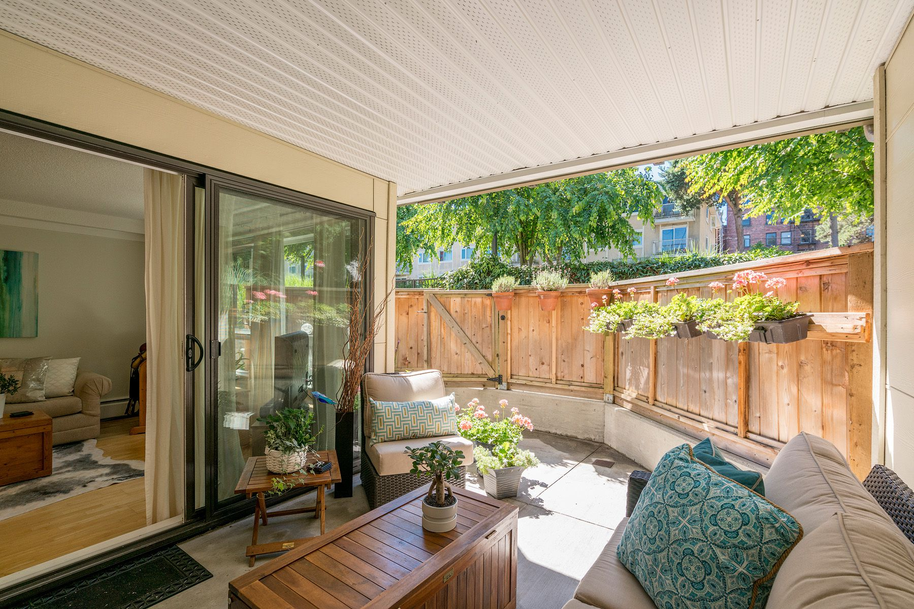 """Main Photo: 211 621 E 6TH Avenue in Vancouver: Mount Pleasant VE Condo for sale in """"Fairmont Place"""" (Vancouver East)  : MLS®# R2289623"""