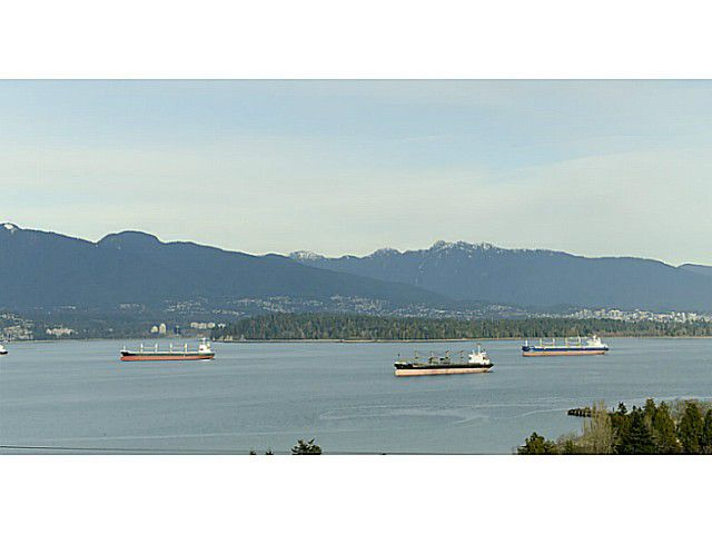 Main Photo: 4677 DRUMMOND Drive in Vancouver: Point Grey House for sale (Vancouver West)  : MLS®# V1046499