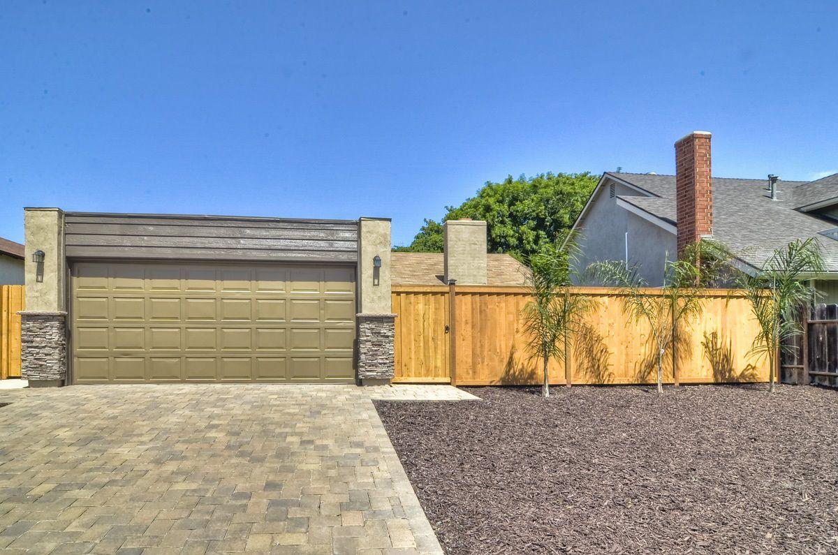 Main Photo: MIRA MESA House for sale : 3 bedrooms : 8380 Borealis in San Diego