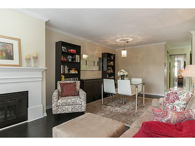 """Main Photo: 203 1702 CHESTERFIELD Avenue in NORTH VANC: Central Lonsdale Condo for sale in """"CHESTERFIELD PLACE"""" (North Vancouver)  : MLS®# V1142762"""