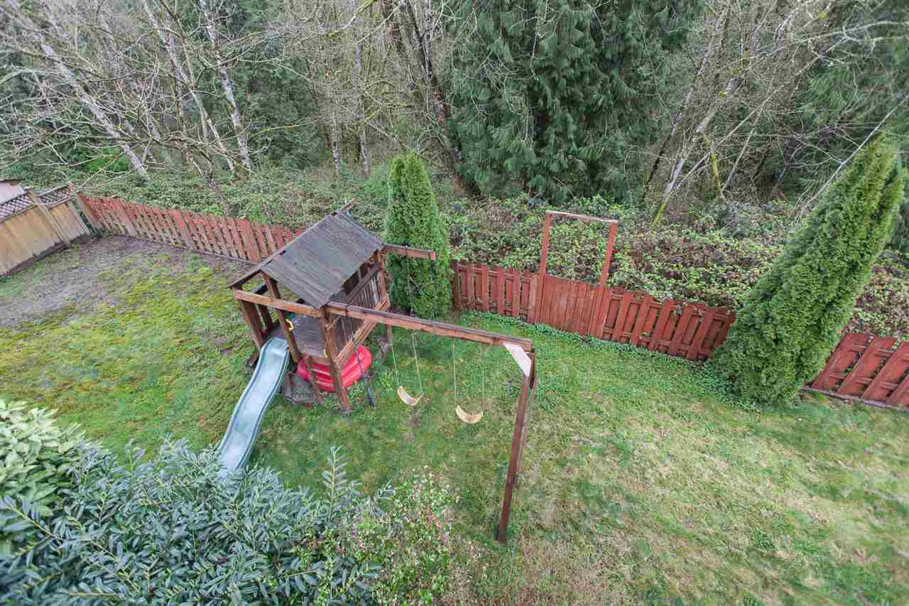 "Photo 17: Photos: 23724 114A Avenue in Maple Ridge: Cottonwood MR House for sale in ""GILKER HILL ESTATES"" : MLS®# R2049062"
