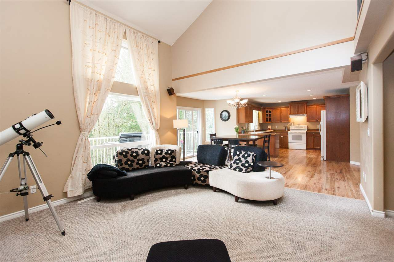 "Photo 7: Photos: 23724 114A Avenue in Maple Ridge: Cottonwood MR House for sale in ""GILKER HILL ESTATES"" : MLS®# R2049062"