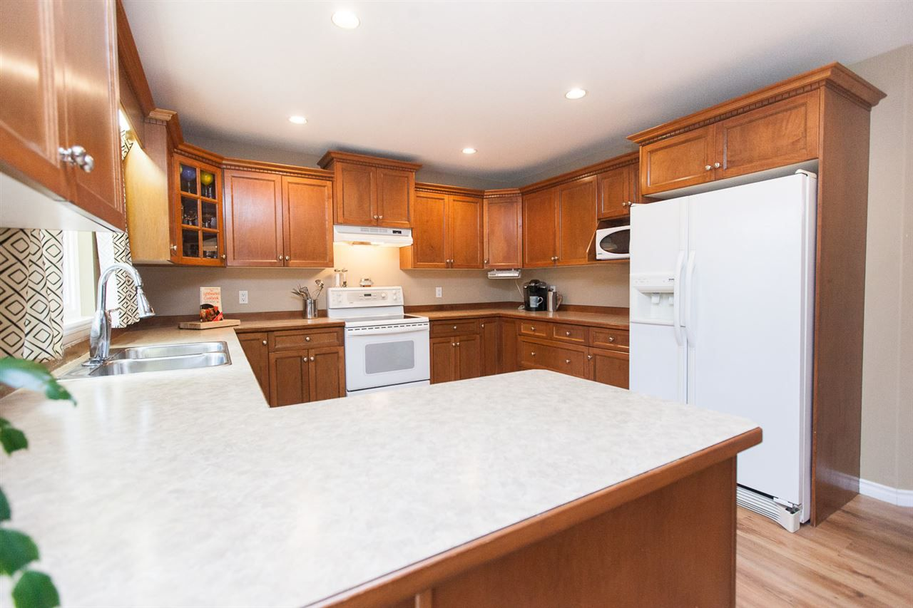 "Photo 5: Photos: 23724 114A Avenue in Maple Ridge: Cottonwood MR House for sale in ""GILKER HILL ESTATES"" : MLS®# R2049062"
