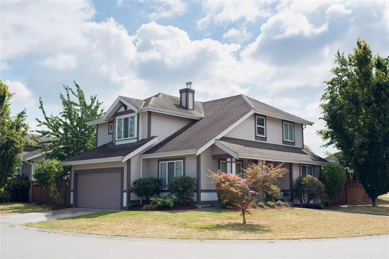 Main Photo: 9422 202A Street in Langley: Walnut Grove House for sale : MLS®# R2099681